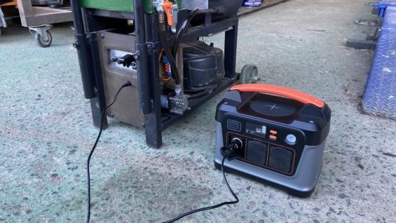 廃油ストーブをポータブル電源で稼働させる