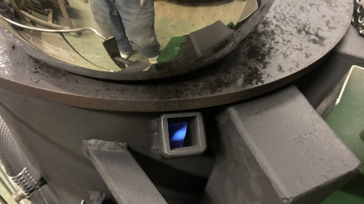 廃油ストーブ点検口